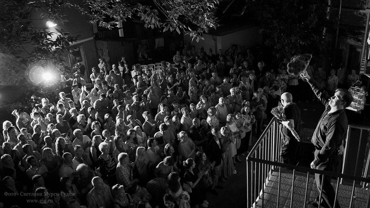 2014-2015 гг. Моменты в стиле ретро в театре У Никитских ворот. Фото - Светлана Мурси-Гудёж