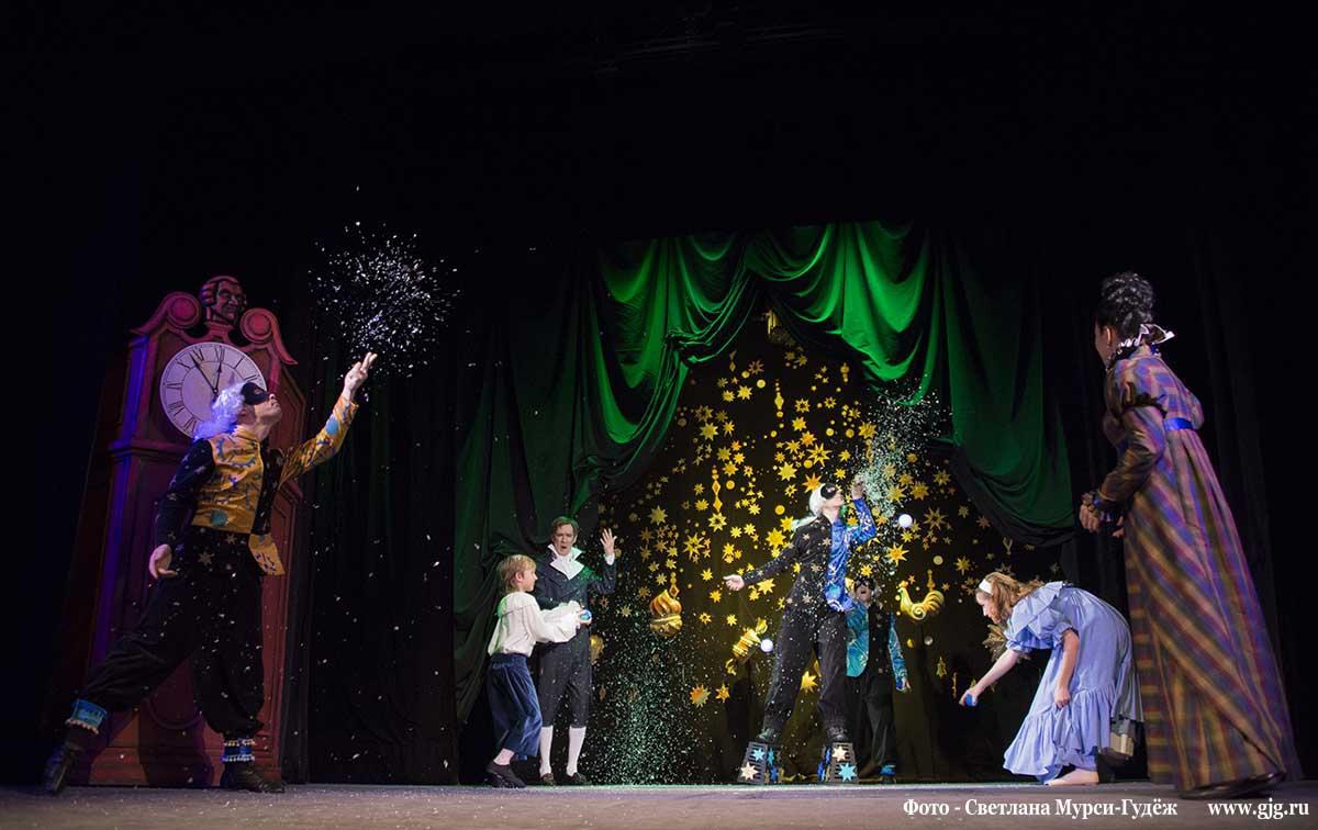 Спектакль Волшебный орех в Московском театре кукол. Фото - Светлана Мурси-Гудёж